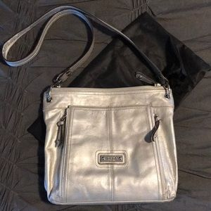 Tignanello crossbody purse. LEATHER